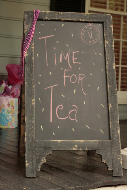 Chalkboard Easel This Is Media G Amp K Event Rentals